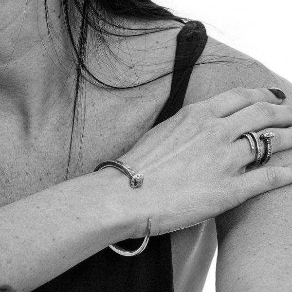 Bracciale Chiodo Argento Made in Italy Clamor Glamour Linea Clamor Indossato