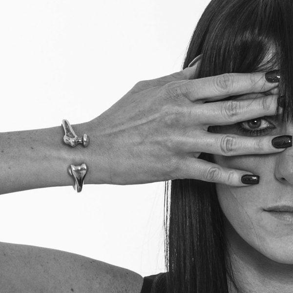 Bracciale Osso Argento Made in Italy Clamor Glamour Linea Clamor indossato donna